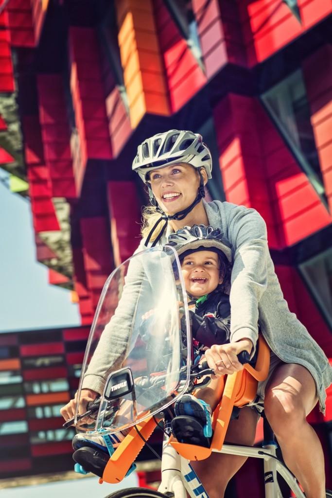 pol_pl_Thule-RideAlong-Mini-fotelik-rowerowy-pomaranczowy-1670_9